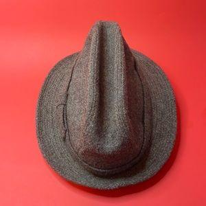 Harris Tweed hat in good condition